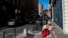 Covid-19 : imposer le port du masque dans tout l'espace public est-il vraiment utile ?