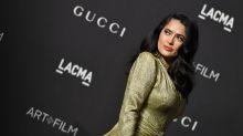 La star di Hollywood che mostra con orgoglio i suoi capelli bianchi
