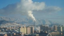 China cracks down on 'perfunctory' officials in pollution fight