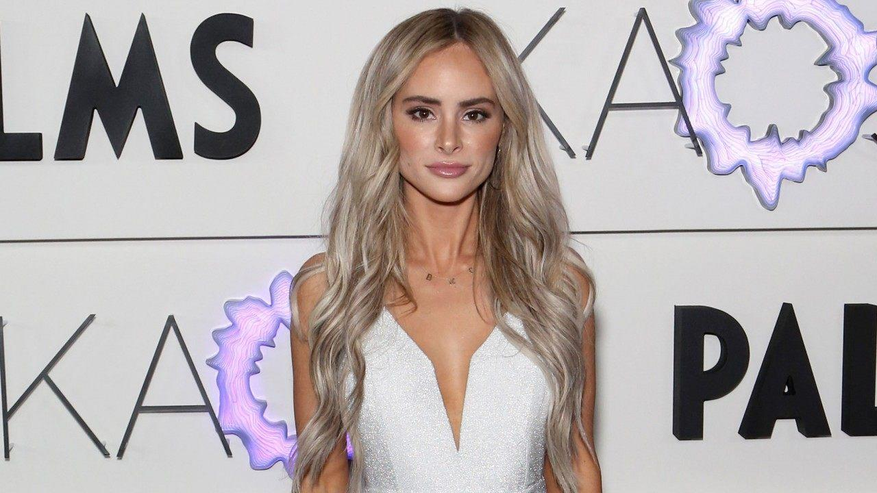 Amanda Mackay Nude amanda stanton has a girls weekend in las vegas after bobby