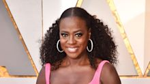 Viola Davis Brings Disco Curls to the Oscars Red Carpet