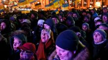 Ukraine protesters demand no 'capitulation' to Russia