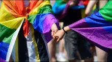 Opposition lobt Kramp-Karrenbauers Pläne zur Entschädigung homosexueller Soldaten