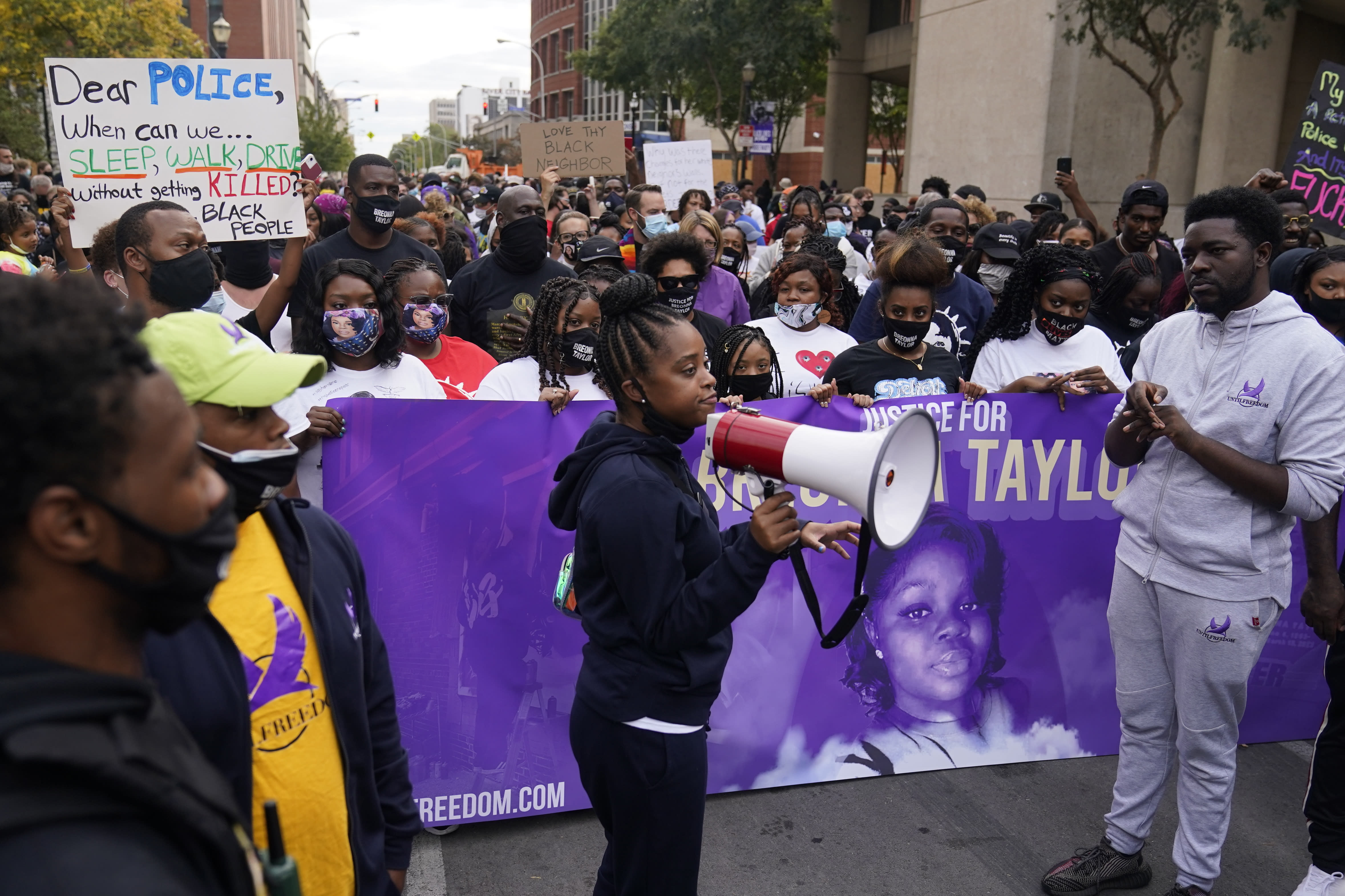Family Demands Release Of Evidence In Breonna Taylor S Case
