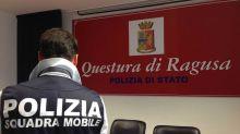 Ragusa: arresto pedofilo, adescava bimbe su chat e le costringeva ad avere rapporti