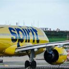 Spirit Airlines, American Airlines cancel more than 800 flights