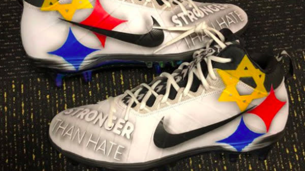 Pittsburgh Steelers Player Honors Synagogue Attack Victims With 'Stronger Than Hate' Cleats