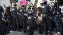 """De Colin Kaepernick à George Floyd, voici l'histoire de """"Take a knee"""", le geste qui veut mettre à genoux le racisme aux Etats-Unis"""