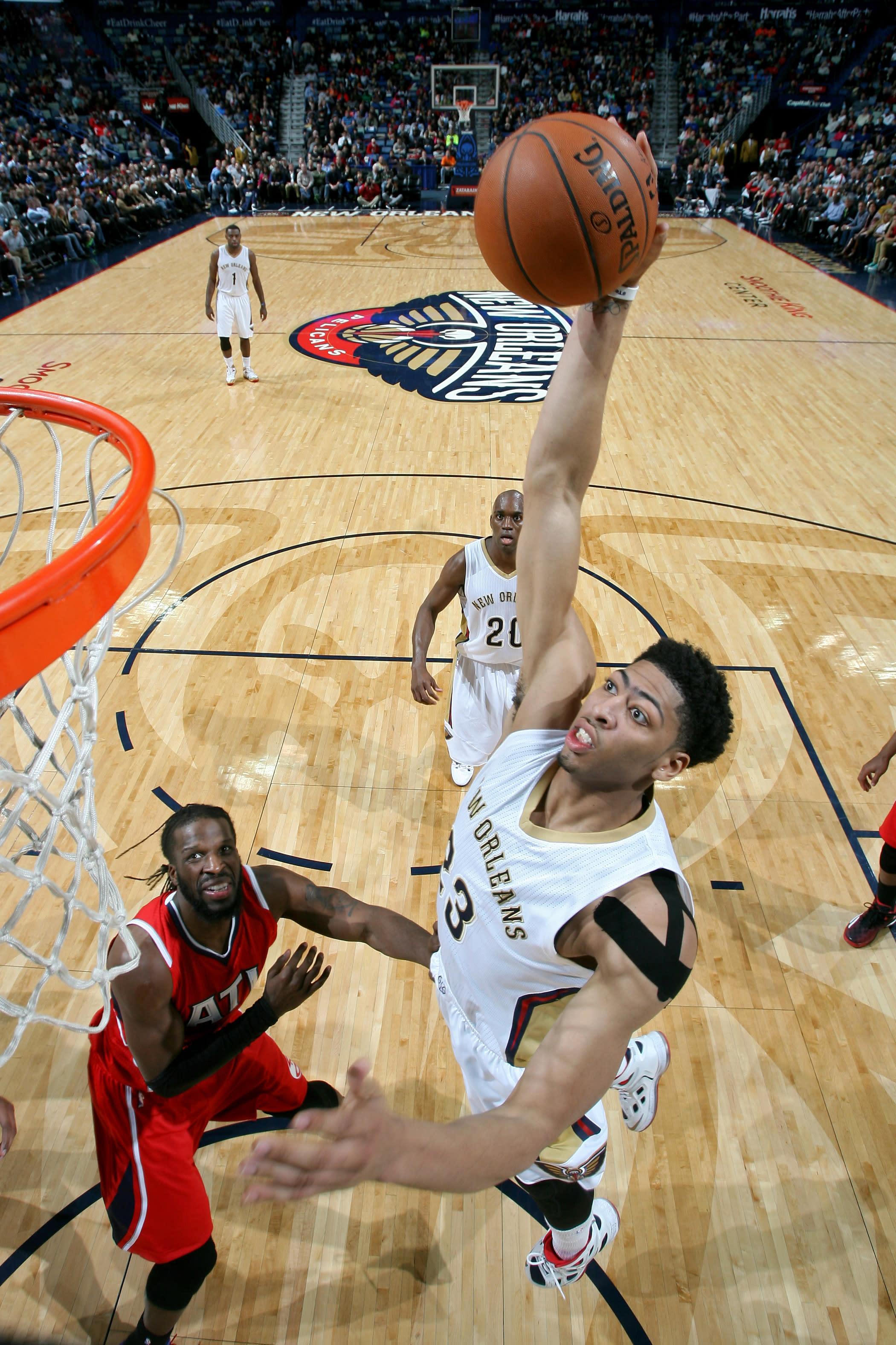 Pelicans snap Hawks' 19-game winning streak, 115-100