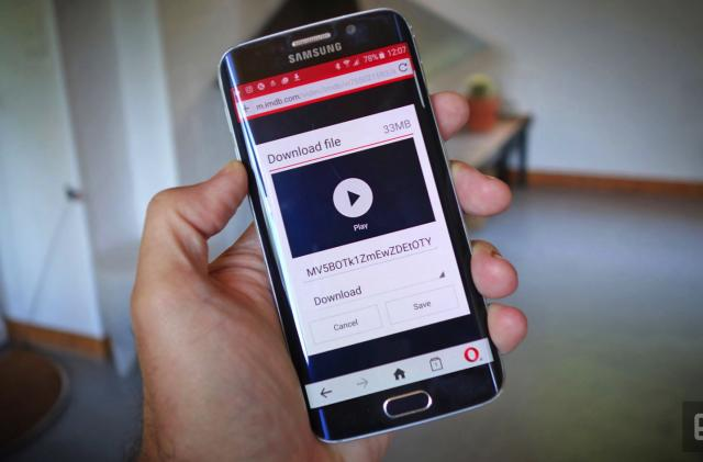 Opera Mini can download videos for offline viewing