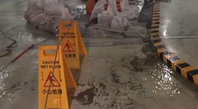 颱風未到 中市府地下停車場大淹水
