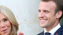 """Emmanuel et Brigitte Macron se font """"troller"""" par un opposant politique : l'affaire de la piscine ne passe pas"""