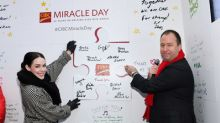 Giant Thank You Card Unveiled at Toronto Headquarters to Celebrate 35th Anniversary of CIBC Miracle Day
