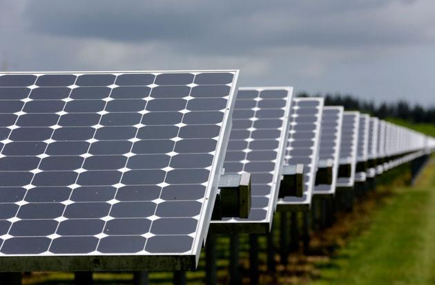 Amazon hopes to mend its image by backing a giant solar farm