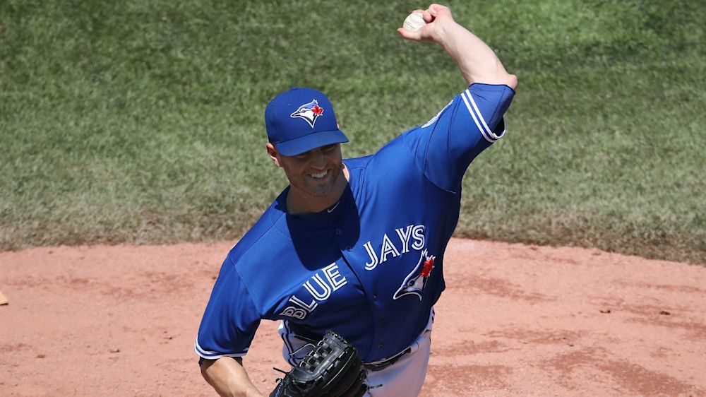 Blue Jays SP J.A. Happ avoids serious elbow injury, report says