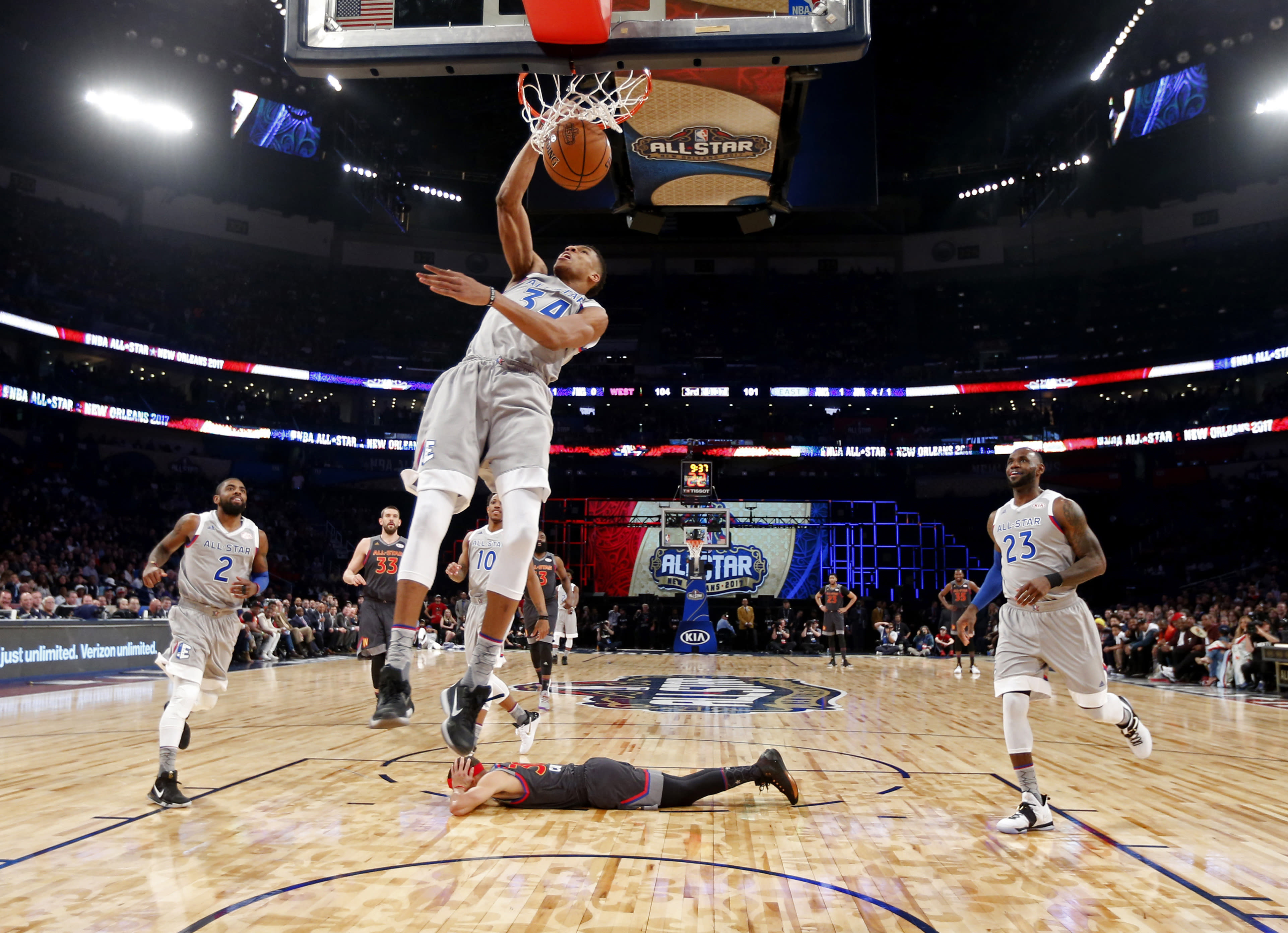 Why All Star captain Steph Curry really wants to pick Giannis