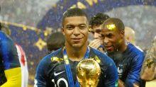 Mbappé, campione dal cuore d'oro