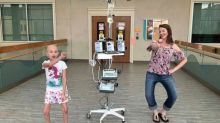 Lutando contra o câncer, garotinha viraliza com vídeo em que dança com a mãe