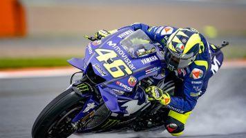 """Rossi assume decepção após quedas nas duas corridas finais do ano: """"Um sentimento de merda"""""""