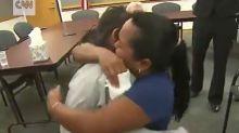 US-Flüchtlingspolitik: Emotionales Wiedersehen von Mutter und Tochter nach Familientrennung