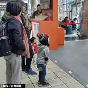 業者推AI地產實體機器人 科技帶看引關注