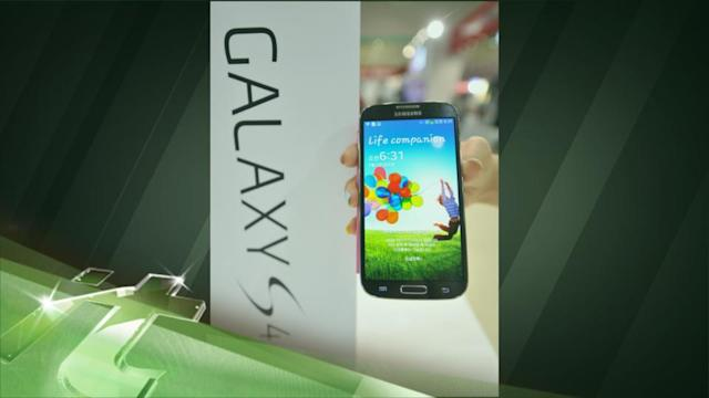 Latest Business News: Galaxy S4 Helped Samsung Outsell Apple for the First Time Since IPhone 5 Debut
