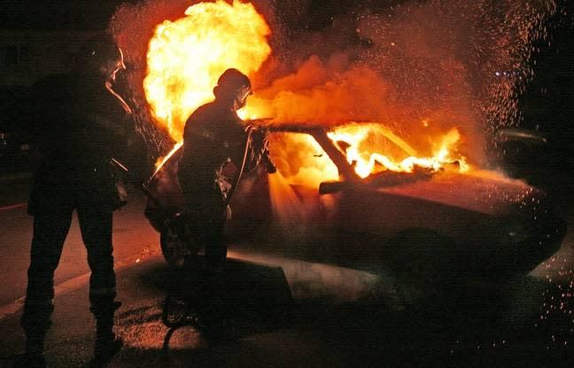 Alsace : De nombreux véhicules incendiés devant le garage Renault de Barr - Yahoo Actualités
