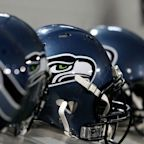 Seahawks bring back a pair of rookies