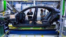 Global Autos Get a Boost From China Car Tariffs Cut: Street Wrap