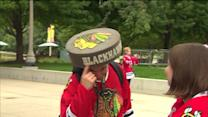 Blackhawks fans line up to see Stanley Cup