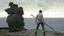 """Verraten Sammelkarten die Handlung von """"Star Wars 8""""?"""