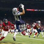 Patriots, Rob Gronkowski agree to a restructured contract
