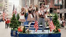 'Ferris Bueller' at 35: Matthew Broderick says 10,000 extras showed up to shoot famed parade scene