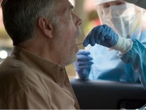 Walgreens' First Coronavirus Drive-Throughs Open in Arizona