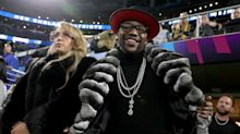 Floyd Mayweather tops sport's rich list after £200m payday
