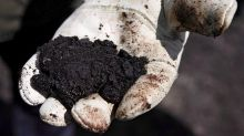 Alberta, Ottawa sign deal that reduces oilsands environmental monitoring