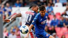 El chileno Lichnovsky dice que se va de Cruz Azul porque no lo valoraron