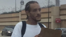 El propietario de los Mavericks rescata a Delonte West de las calles para ayudarle en su rehabilitación de drogas