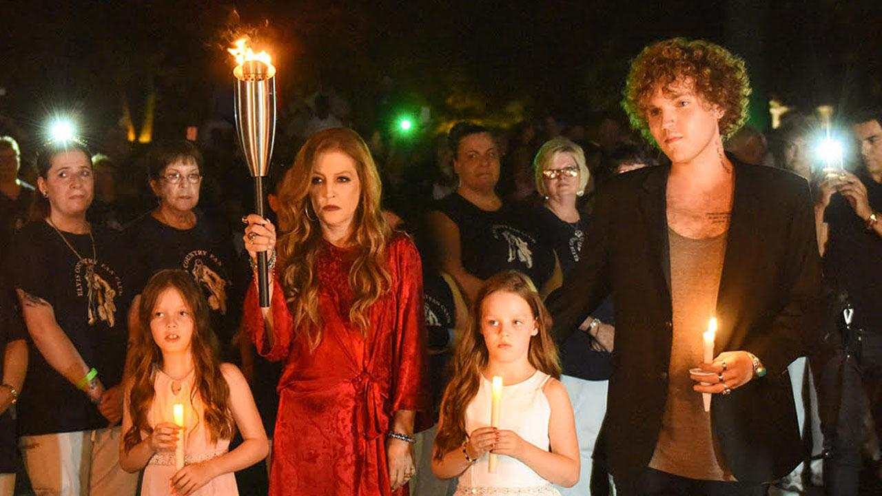 Lisa Marie Presley and Her Children Pay Tribute to Elvis at Graceland on 40th Anniversary of His Death