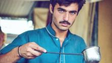 Blue-eyed Pakistani tea seller taking the Internet by storm