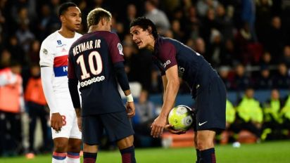 PSG star Cavani breaks silence on Neymar row