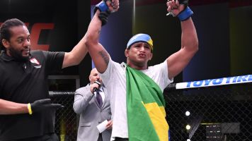 Burns pounds Woodley in impressive victory
