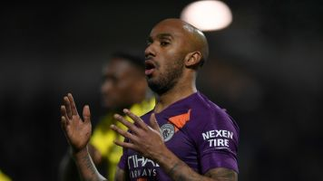 Everton holt Delph von Manchester City