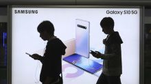 Samsung expects another big slump in profits