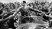 """Ascoli, auguri a Hitler su Facebook. Vicepreside si difende: """"Post non era riferito a lui"""""""