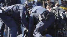 La confesión de un esbirro mientras 'escarmentaban' a su hijo: una señal de lo que hay detrás de los abusos policiales
