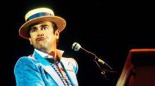 """10 cose da sapere su Elton John prima di vedere """"Rocketman"""""""