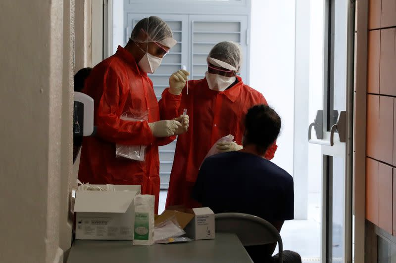 France reports 5,298 new daily COVID-19 cases