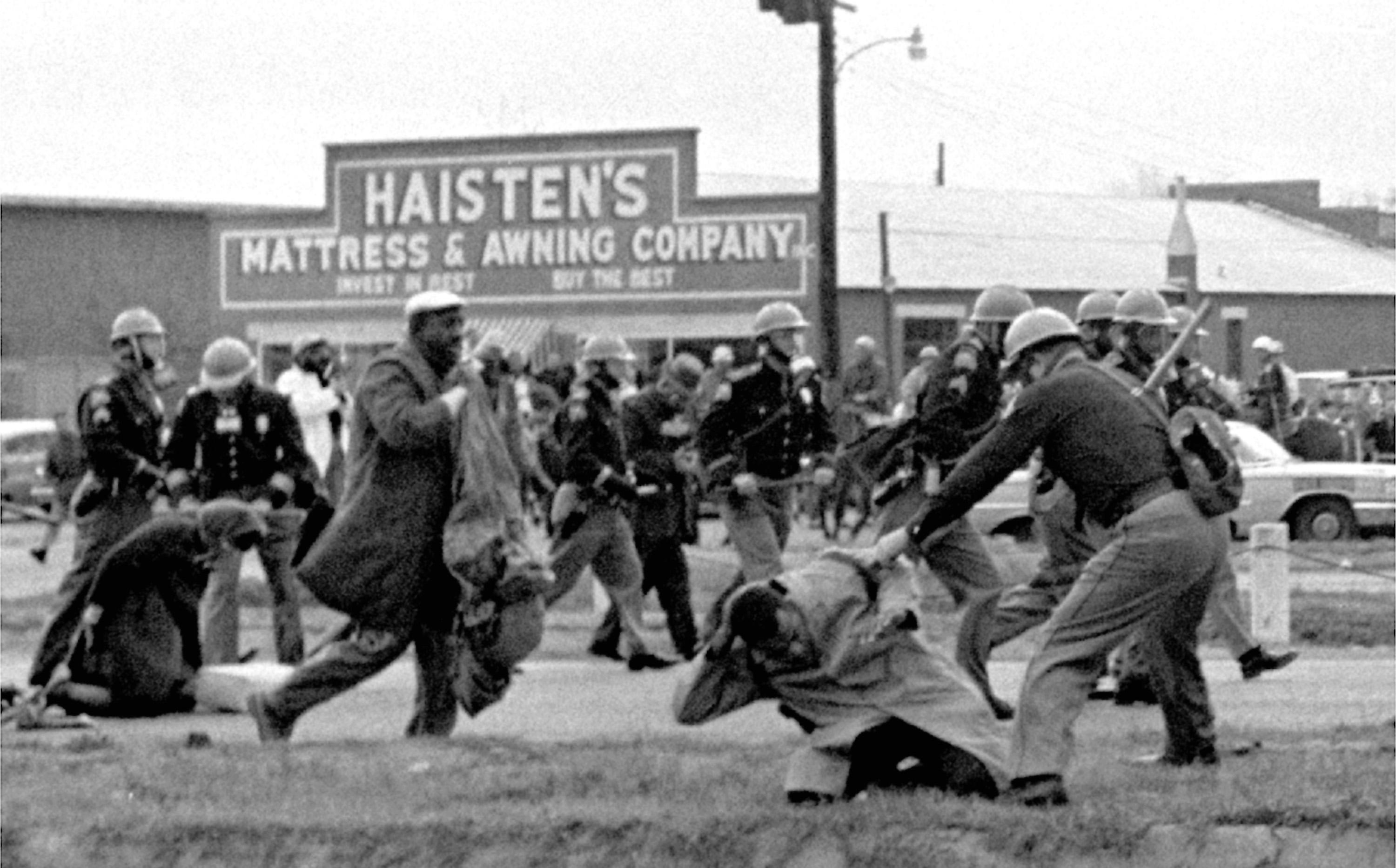 bloody sunday what really happened essay Bloody sunday essay sample on a regular day in ireland on january 30th, 1972 in the bogside area of derry, northern ireland everything was turned upside down during a northern ireland civil rights movement.