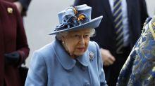 Un sirviente de la reina, el último miembro del personal del palacio que da positivo por coronavirus